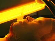 コラーゲン合成に着目して開発された独自の技術!シミ、シワ、たるみ、肌荒れなどをしっかりケアします